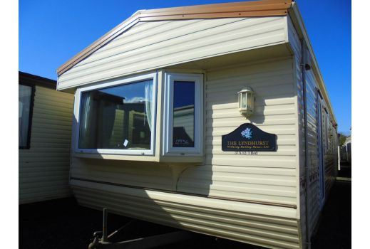Willerby Lyndhurst, 37ft x 12ft, D/G, C/H, 3 bedrooms, excellent condition.  Ref: C2956