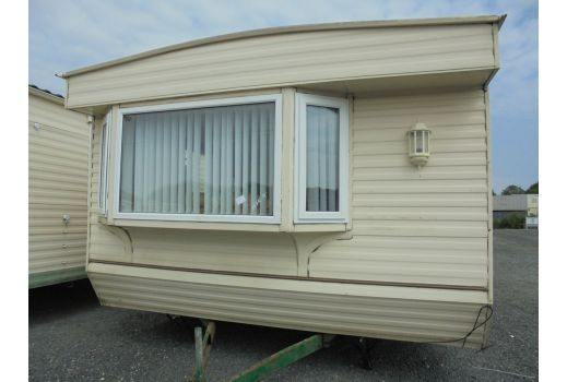 Willerby Lyndhurst, 37ft x 12ft, 2 bedrooms.  Ensuite.  Double Glazed. Central Heating. Ref: C4028