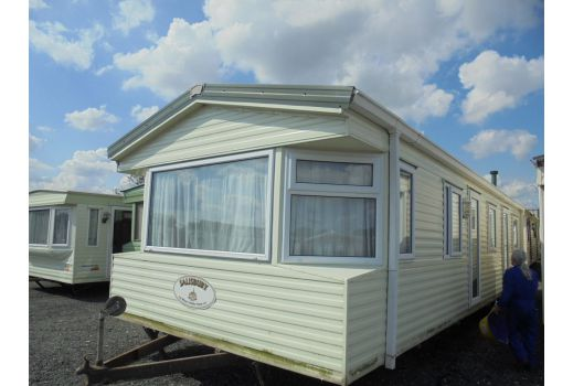 Willerby Salisbury, 35ft x 12ft. 2 bedrooms.  Double Glazed.  Electric heating.  2004 model.  Ref: C4047