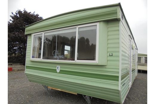 BK Bluebird Brookwood, 28ft x 12ft. 2 bedrooms. Electric panel heating. Ref: B4050