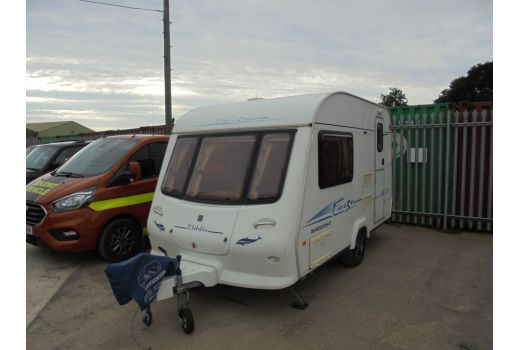 Elddis Avante 362 2 berth touring caravan. 2004 model.  Excellent condition throughout! Ref: B4068