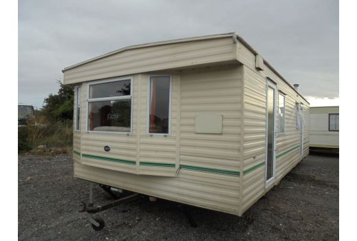 ABI Brisbane, 30ft x 12ft, 2 bedrooms.  Excellent condition throughout.  Ref: B4069