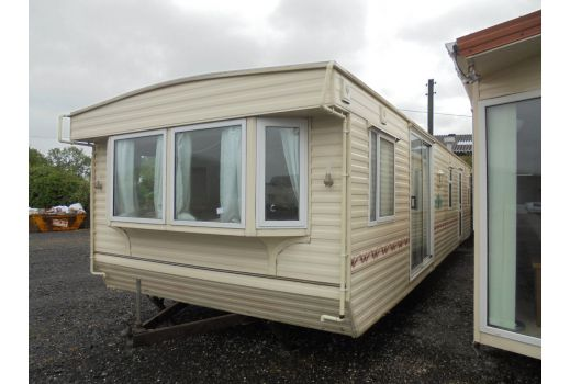 Willerby Lyndhurst, 37ft x 12ft, 2 bedrooms.  D/G & C/H. Ref: C3012
